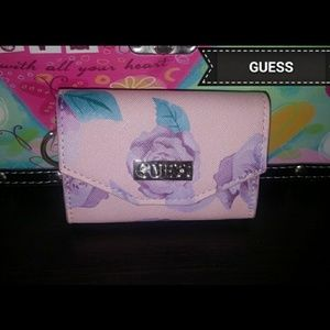Guess keychain wallet